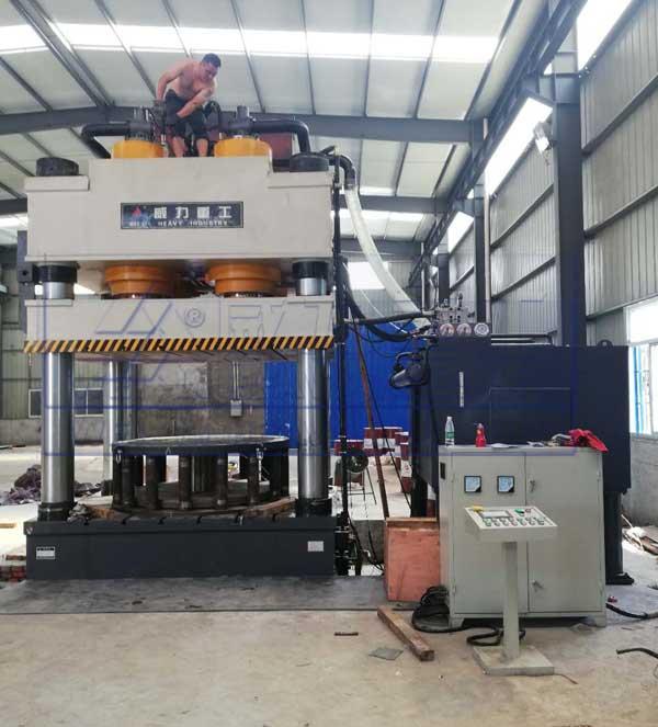 3600吨三梁四柱液压机,四柱拉伸液压机
