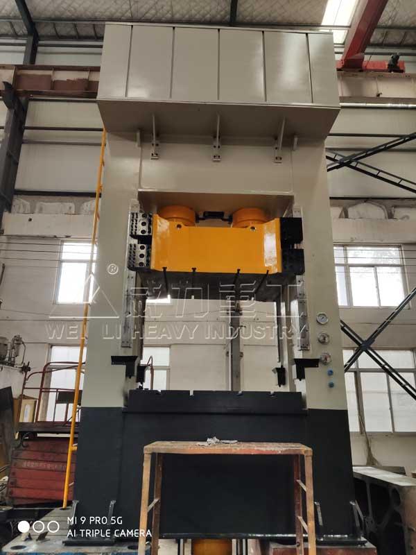500吨框架式液压机,框式压力机